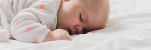 Soutien de la famille - Bébé dort